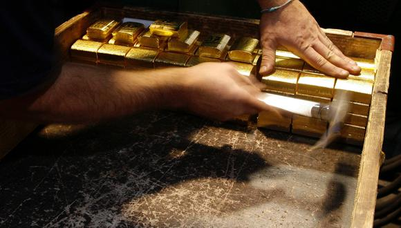 Los futuros del oro en Estados Unidos operaban estables en US$ 1,824.00 la onza. (Reuters)