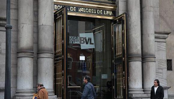 30 de octubre del 2015. Hace 5 años –  BVL subió en octubre después de cinco meses. Reportó ganancia de 5.5%, impulsada por los sectores minero y financiero.