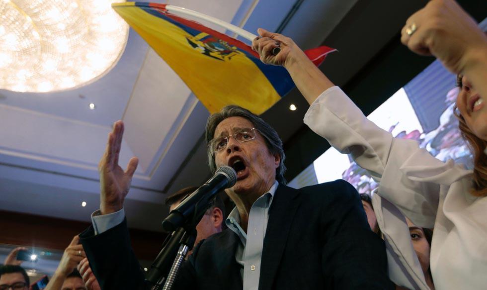 El candidato presidencial opositor de Ecuador, Guillermo Lasso, desconoció los resultados oficiales del peleado balotaje del domingo en el que se impuso su rival socialista, profundizando la polarización del país y allanando el camino para posibles protes