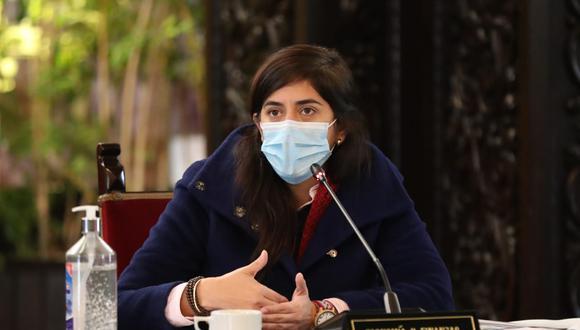 La ministra de Economía, María Antonieta Alva, fue citada por la Comisión de Fiscalización del Congreso. (Foto: Presidencia)