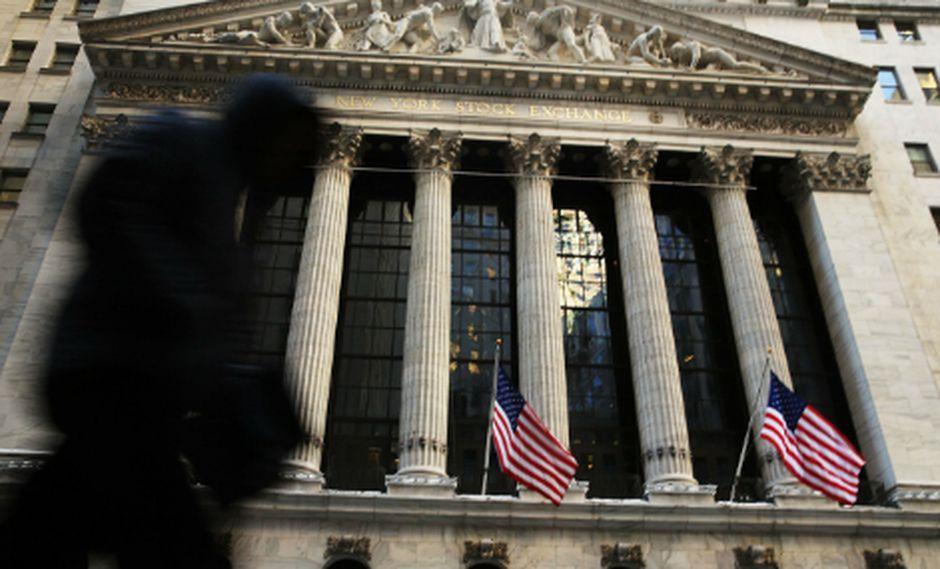 El Dow Jones caía 1.48% en horas de la mañana. (Foto: AFP)
