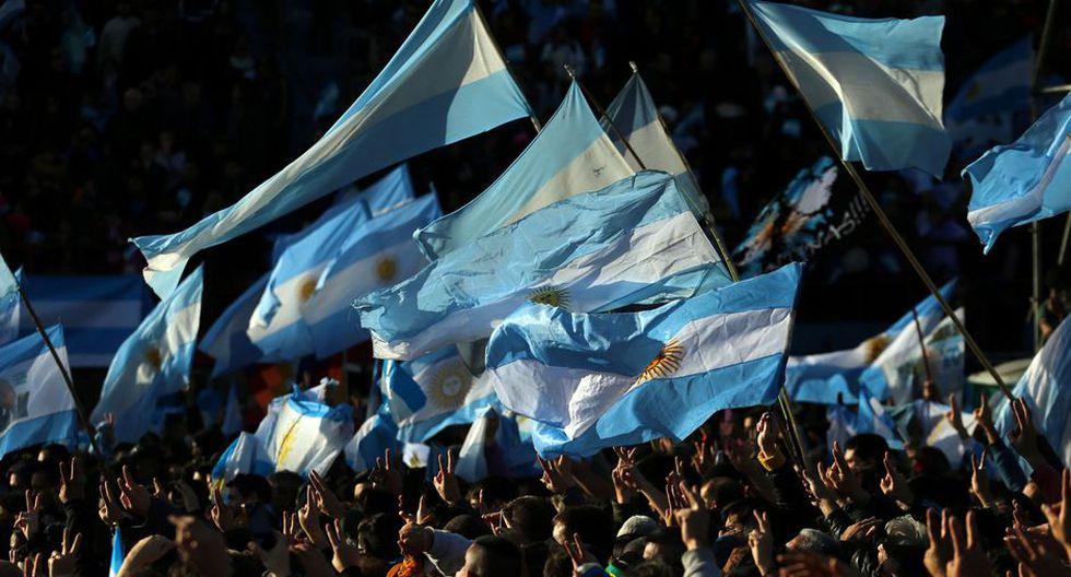 En el mercado de bonos, los títulos públicos argentinos siguen castigados y hoy perdían en promedio un 0,6%. (Foto: Reuters)
