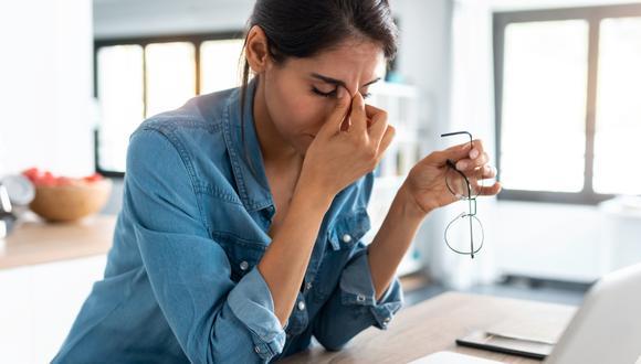 El estrés es un sentimiento de tensión, ya sea emocional o física, que proviene de cualquier pensamiento que pueda hacernos sentir frustrados o nerviosos. (Foto: iStock)