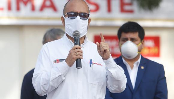 El ministro Víctor Zamora brindó declaraciones desde el Centro de Comando COVID-19 de la Diris LimaEste. (Foto: Minsa)