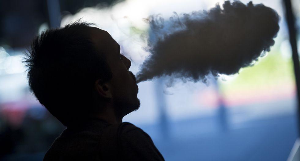 Los funcionarios de salud no han llegado a conclusiones finales sobre la causa de las enfermedades pulmonares, que según los CDC probablemente se relacionan con algún tipo de exposición química. (Foto: Bloomberg)