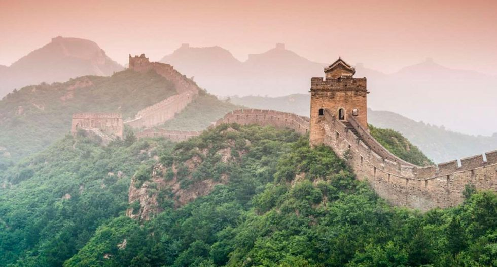 FOTO 1 | China En el top de los países más poblados del mundo se encuentra estegigante asiático. EnChinaes difícil no encontrar una gran multitud de personas en muchas de las ciudades, especialmente en aquellas más visitadas por los turistas como pueden serPekínoShanghái. Esto puede tener muchas ventajas, como el hecho de que el país es perfectamente consciente de los visitantes que recibe, y por ello sus monumentos están perfectamente enfocados a un público muy numeroso. Asimismo, se podría decir que no todos los habitantes de este país saben hablaringlésen los miles de puestos y comercios que se encuentran por las calles, aunque ¡no os preocupéis por ello!, ya que seguramente encontrareis la forma de haceros entender. (Foto: 123 RF)
