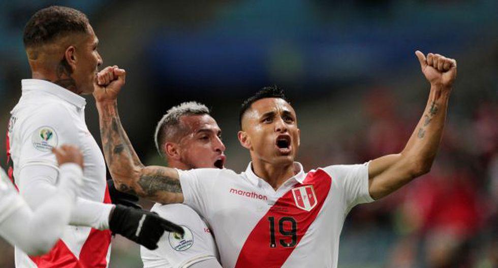 Yoshimar Yotún celebra el segundo tanto de la selección peruana de fútbol ante Chile. (Foto: Reuters)