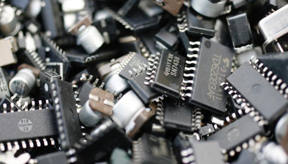 Se espera que la escasez de chips elimine US$ 61,000 millones en ventas solo para los fabricantes de automóviles. (Foto: agencias)