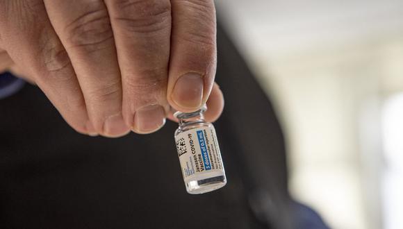 Las vacunas de J&J llegarían al Perú en los próximos meses. (Foto: AFP).