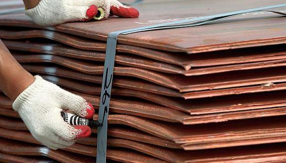 Los precios del metal usado en electricidad y la construcción han caído más de 10%. (Foto: Reuters)