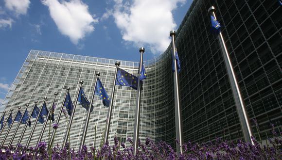 """Bruselas considera que debe retirarse el veto a los ciudadanos de países cuya situación fuera """"similar"""" a la media europea en cuanto a la cantidad y la tendencia de los nuevos contagios. (Foto: AFP)"""