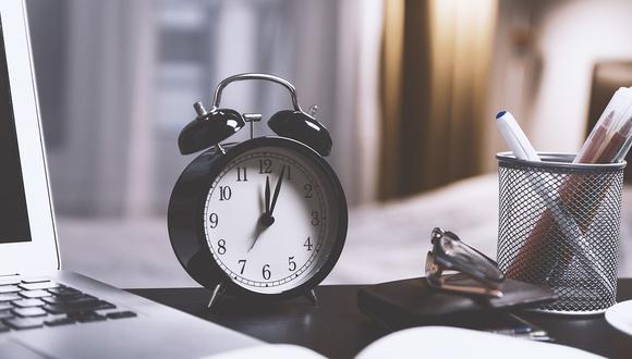 En el horario de verano la jornada semanal se mantiene y solo se realiza un cambio de horario compensable a los días futuros. (Foto: Pixabay)