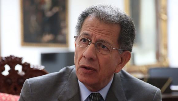 El expresidente del Tribunal Constitucional afirma que no se puede recortar el derecho de una de las partes. (Foto: El Comercio)