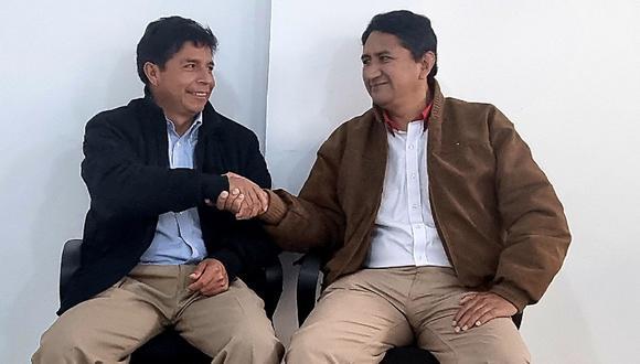 Vladimir Cerrón junto al candidato presidencial de Perú Libre, Pedro Castillo. (Foto: Twitter)