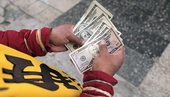 El dólar se vendía a S/ 3.95 en el mercado paralelo este viernes. (Foto: GEC)