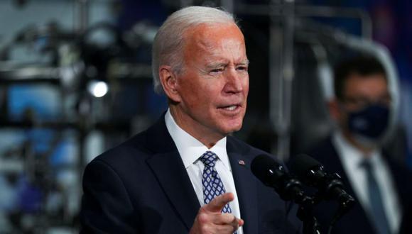 Biden anunció planes para eliminar requisitos del programa que impiden el acceso a préstamos de empresarios que tengan una condena criminal previa o hayan tenido impagos de sus préstamos estudiantiles federales en los últimos siete años. REUTERS/Tom Brenner