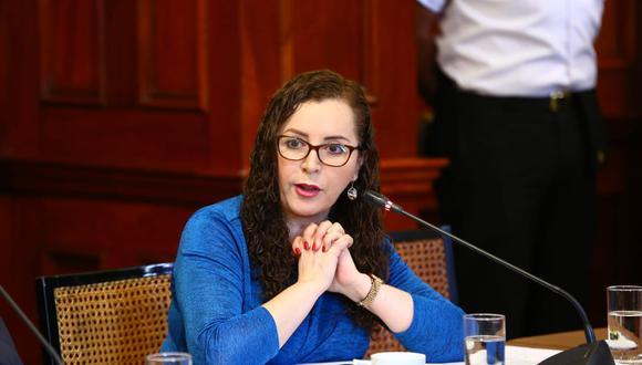 Rosa Bartra fue elegida para presidir nuevamente la comisión de Constitución del Parlamento. (Foto: Congreso)
