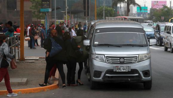 La ley que autoriza el transporte en auto colectivo fue aprobado por el   Congreso de la República. (Foto: GEC)