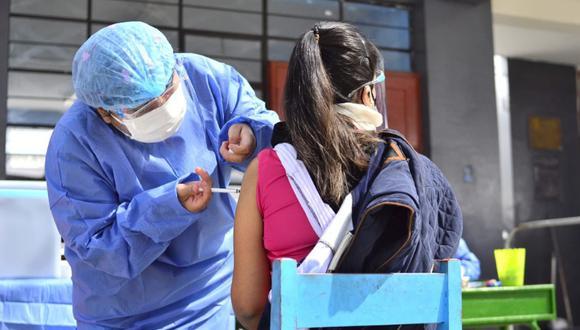 El pasado 31 de julio se comenzó a vacunar en la región Tacna a jóvenes de 24 a más. Foto: Diresa Tacna