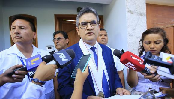 El fiscal José Domingo Pérez participó en el allanamiento y detención preliminar contra Yehude Simon. (Foto: GEC)
