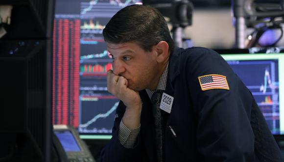 Tras una sesión marcada por el fuerte descenso de los principales indicadores de la Bolsa Nueva York, se decidió suspender las operaciones por 15 minutos. (Foto: AP)