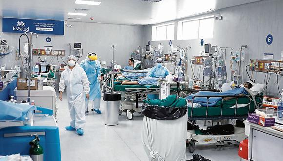 El número de personas fallecidas y contagios aumentó este lunes, informó el Minsa. (Foto: GEC)