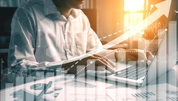 Antes de escoger una SAB, es bueno estar enterado de las comisiones que cobran por las operaciones de compra y venta, y entrega de beneficios por la inversión. (Foto: iStock)