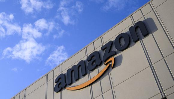 En un comunicado, Amazon dijo que los nuevos empleados tendrán beneficios médicos y otros, como un reciente programa para el pago completo de matrícula del colegio a trabajadores de la primera línea. (Foto: AFP)