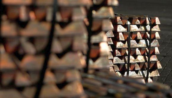 El cobre, que es usado en las industrias de la energía y la construcción, cedió hasta los US$ 6,449 en la víspera. (Foto: AFP)