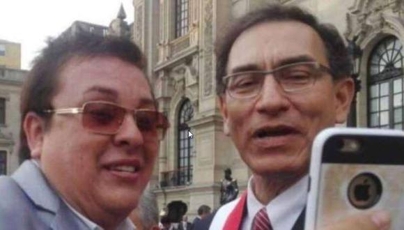 'Richard Swing' junto al expresidente Martín Vizcarra. Informe recomienda inhabilitar al exmandatario por 10 años. (Foto: Facebook Richard Cisneros)