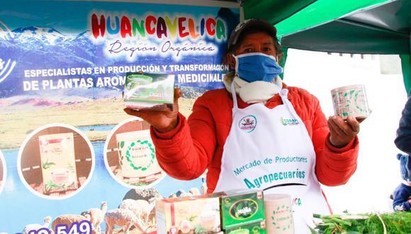 El mercado de productores ha albergado a agricultores dedicados a la producción de artículos lácteos, hierbas aromáticas, productos acuícolas, entre otros. (Foto: Difusión/Midagri)