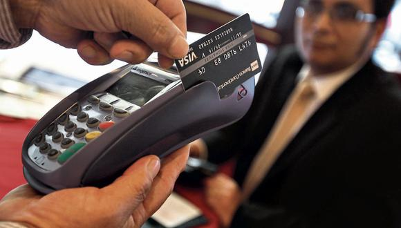 Consumo con tarjeta. Mostró una ligera desaceleración en las dos últimas semanas de agosto. (Foto: GEC)