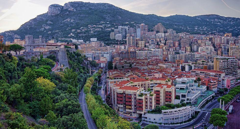 Foto 1 | Mónaco ► Más de 25,950 personas están apretujadas por kilómetro cuadrado.