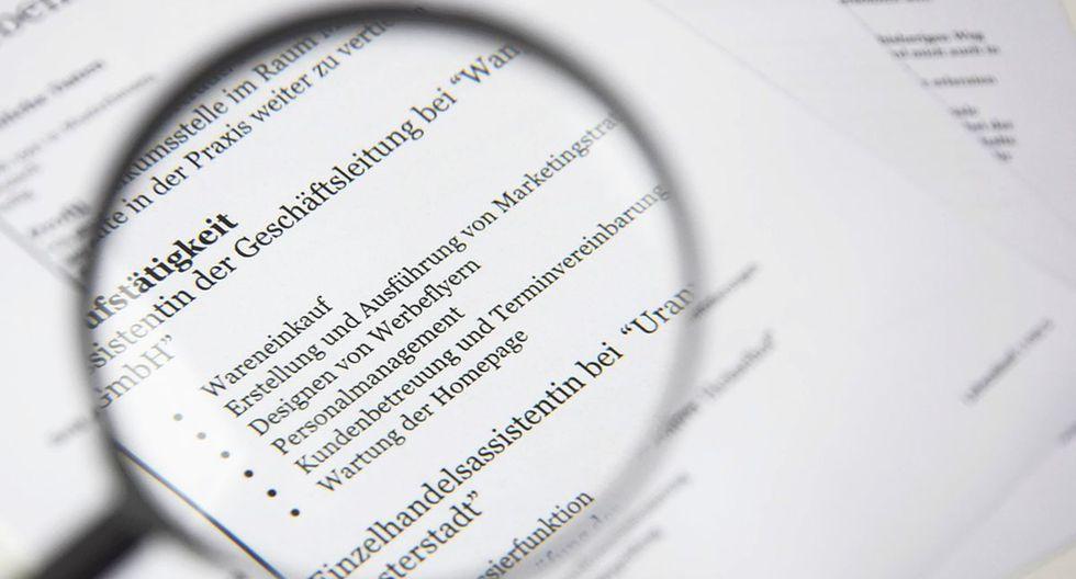 Los currículum que presentan los postulantes, muchas veces son muy generales porque no se precisó lo que se requiere en el perfil del puesto (Foto: Pixabay)