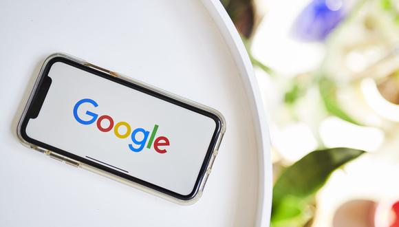 The Google logo on an iPhone. Photographer: Gabby Jones/Bloomberg