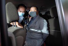Lectores e inversores dan su apoyo al editor de diarios detenido en Hong Kong