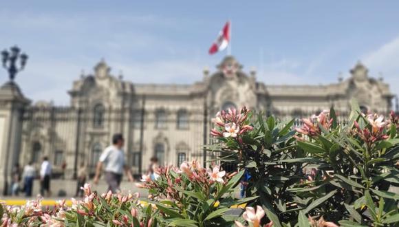 Foto del Palacio de Gobierno de Perú en modo Retrato. (Martín Tumay Soto)
