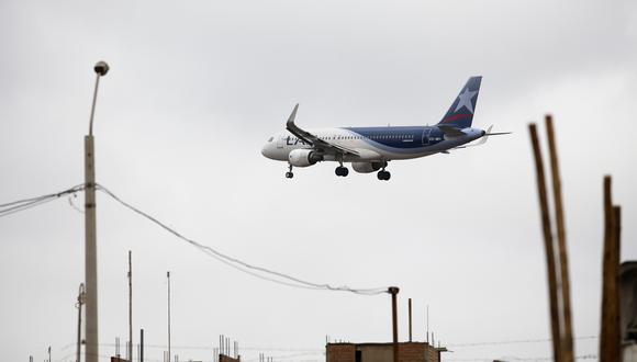 Las aerolíneas se han visto duramente afectadas por el coronavirus. (Foto: GEC)