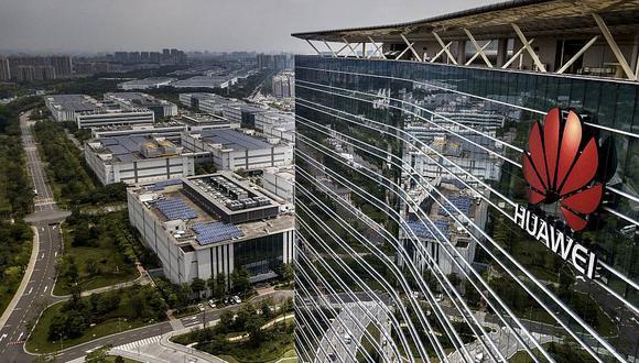 Fundador de Huawei, Ren Zhengfei, sostuvo que la empresa distribuirá más empleados entre los negocios principales. (Foto: Getty Images)