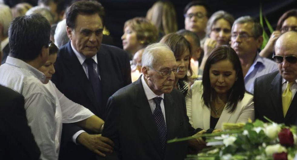 Luis Bedoya Reyes participó en el velorio y expresó sus condolencias a los familiares de Alan García (Foto: Exitosa)