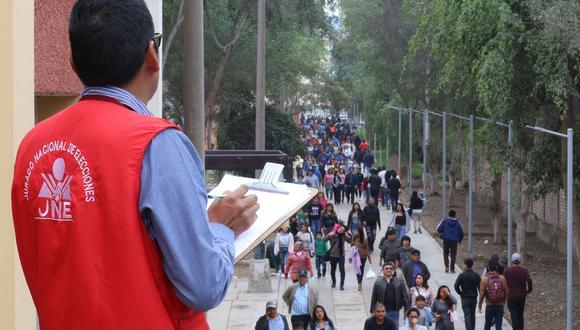 Para las labores de fiscalización, el JNE desplazó en todo el Perú a 8,450 especialistas. (Foto: Difusión)