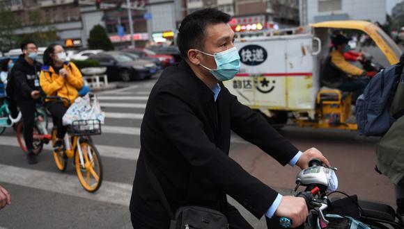 Tras varias denuncias en el extranjero por la calidad de las mascarillas, Pekín endureció en abril drásticamente los criterios de exportación. (Foto: AFP/GREG BAKER)