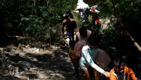 """Foto 2    A principios de octubre, Carlos Holmes Trujillo, ministro de Relaciones Exteriores de Colombia, dijo que en el país podría haber hasta cuatro millones de venezolanos para el 2021, lo que costaría a las arcas nacionales hasta US$ 9,000 millones. """"Estamos frente a la magnitud de un desafío que no había vivido nuestro país"""", afirmó. (Foto:  Carlos Garcia Rawlins)"""