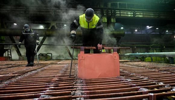 El cobre a tres meses en la LME sumaba un 1%. (Foto: AFP)