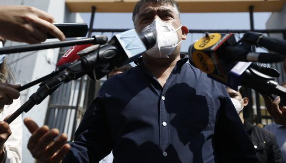 Candidato presidencial Julio Guzmán ejerció su derecho al voto este domingo en las elecciones internas del Partido Morado. (Fotos: GEC)
