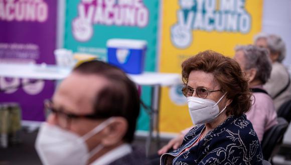 Gobierno crea estrategia Yanapay60+ para asistir a adultos mayores en medio de pandemia por coronavirus. (Foto: Alberto Valdés/EFE)