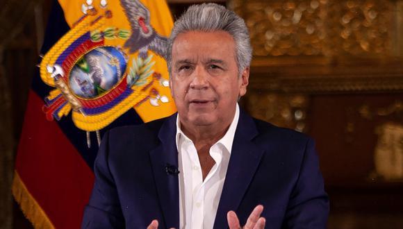 Imagen muestra al presidente de Ecuador, Lenín Moreno, manteniendo una reunión en Quito, el 10 de abril de 2020. (Presidencia de Ecuador/AFP).