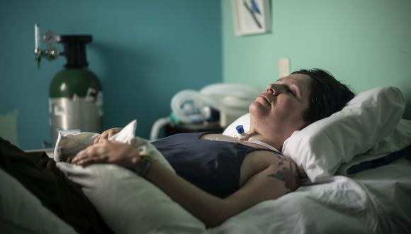 Ana Estrada padece polimiositis, enfermedad degenerativa que la obliga a vivir postrada. (Foto: Elías Alfageme)