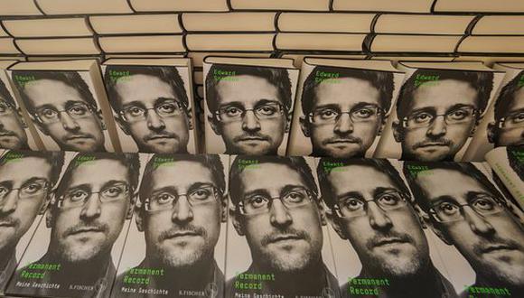 Edward Snowden permanece exiliado en Rusia desde que utilizó su autorización de la Agencia de Seguridad Nacional para exponer secretos de estado en el 2013.