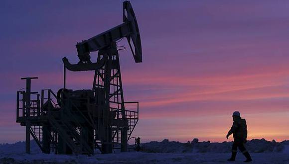 La alianza OPEP+ está comprometida a realizar importantes recortes en su producción de crudo intentando adecuarla a un nivel de demanda menor a causa de la pandemia del COVID-19. (Foto: Reuters)